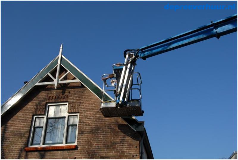 knikarm telescoophoogwerker huren Zeeland