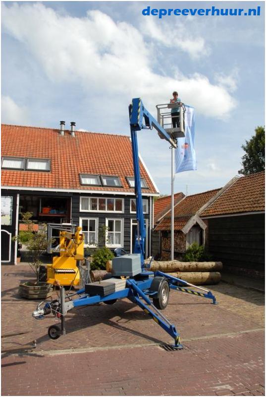 Kniktelescoop aanhanger hoogwerker 12 meter