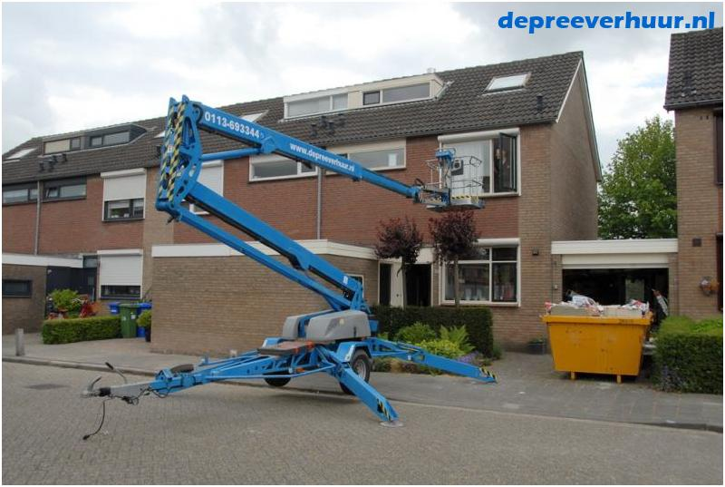 Knikarmhoogwerker 17 meter