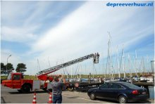 Reparatie in mast met ladderwagen
