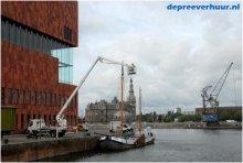 Laagwerker in de dokken van Antwerpen